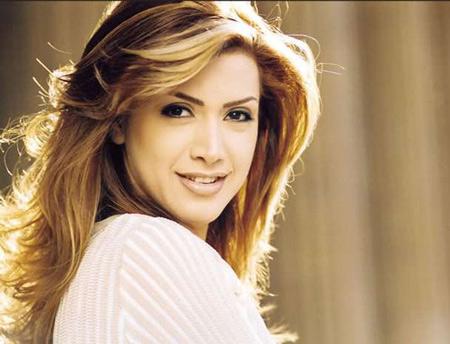 نوال زغبی خواننده زن مسیحی لبنانی عرب زبان