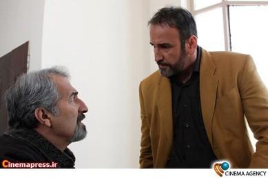 صالح میرزاآقایی و محمد عمرانی در فیلم تلویزیونی دختران معجزه به کارگردانی شبنم عرفی نژاد