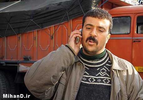 عکس سریال پایتخت2 , تصاویر سریال پایتخت 2 , احمد مهرانفر بازیگر نقش ارسطو در نمایی از سریال پایتخت2 , عکسهای سریال پایتخت 2 , عکس های بازیگران سریال پایتخت 2